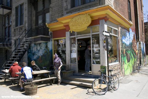 Montreal-cafe joe outside
