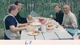 carl and family at picnic table 1967