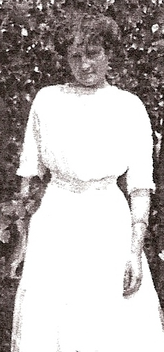 Ida standing up in 1912