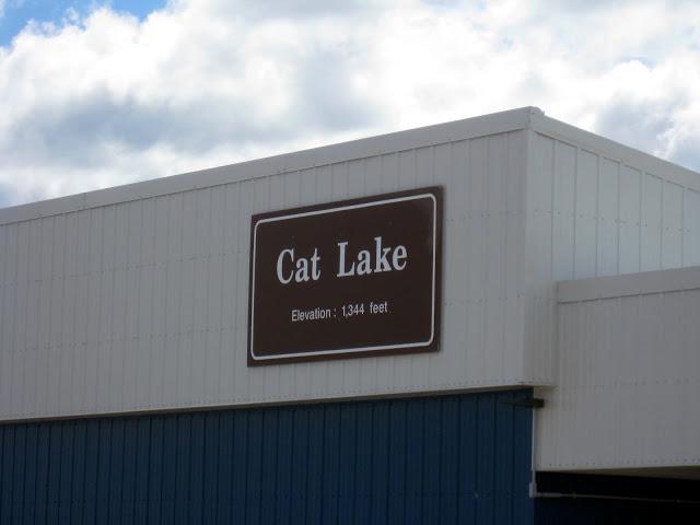 airport in cat lake