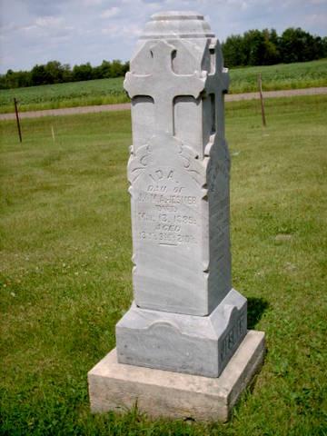 idas grave stone